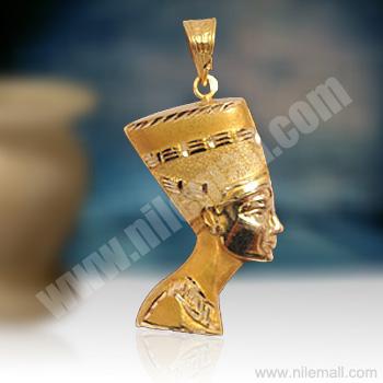 18K Gold Nefertiti Pendant